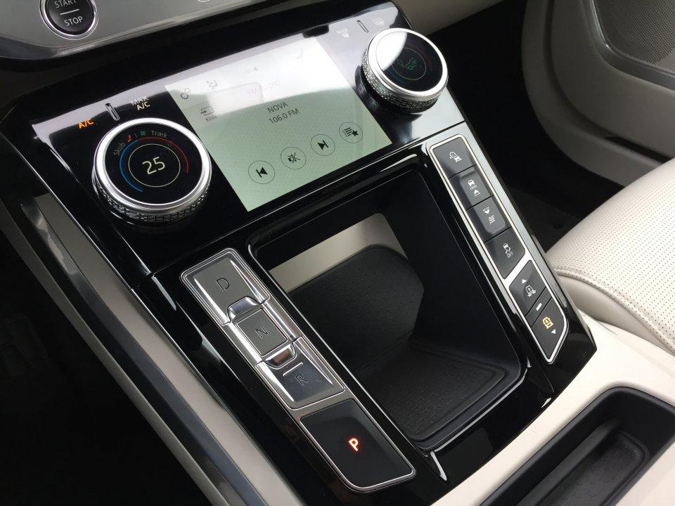 Jaguar I-Pace EV400 HSE