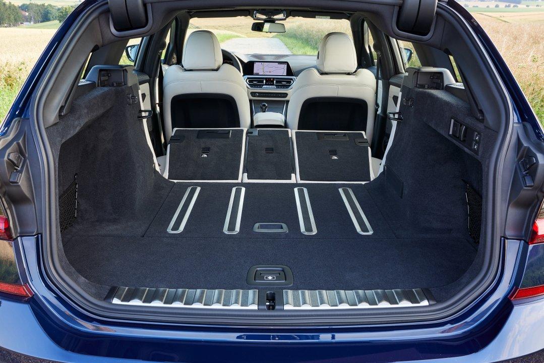 BMW 330i M-Sport Touring
