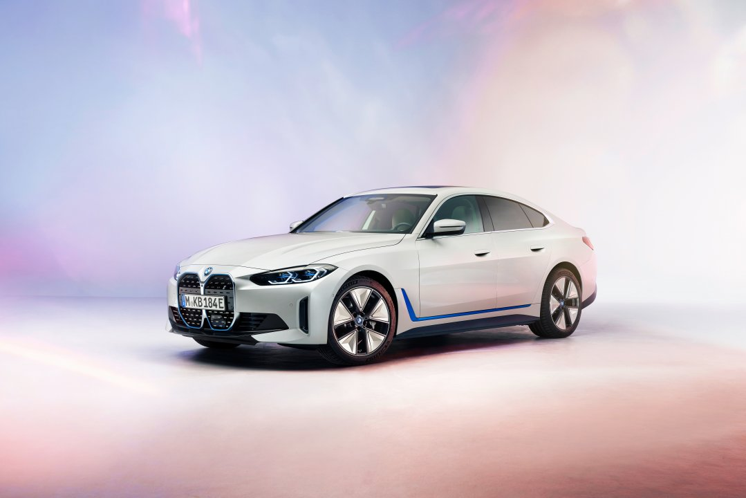 BMW i4 endelig afsløret!
