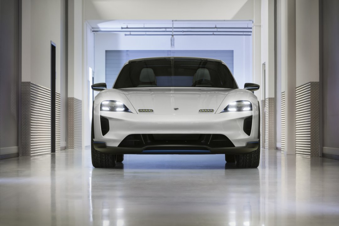 Porsche Mission E Cross Turismo - wow!