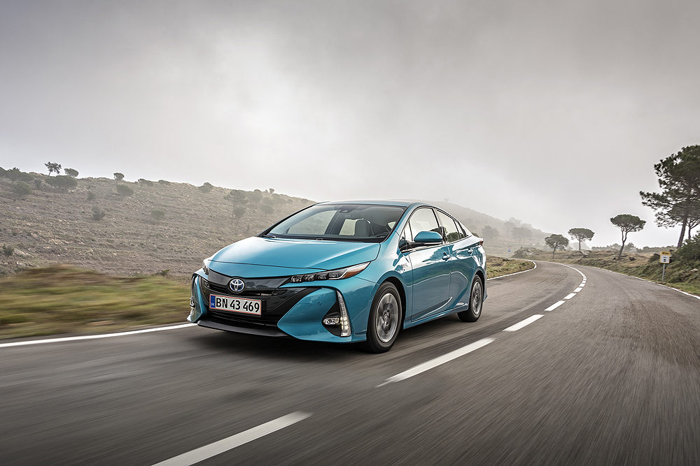 5558ed92548 Toyota, introducerer nu for første gang opladningshybridbilen Prius Plug-in  i Danmark. Bilen fik verdenspremiere andre steder i verden i fjor, ...